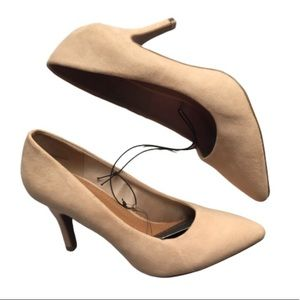 Forever 21 Shoes - 🍀5 FOR $25🍀F21 Faux Suede Pointed Toe Pumps